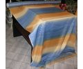 45 svislé modrooranžové pruhy